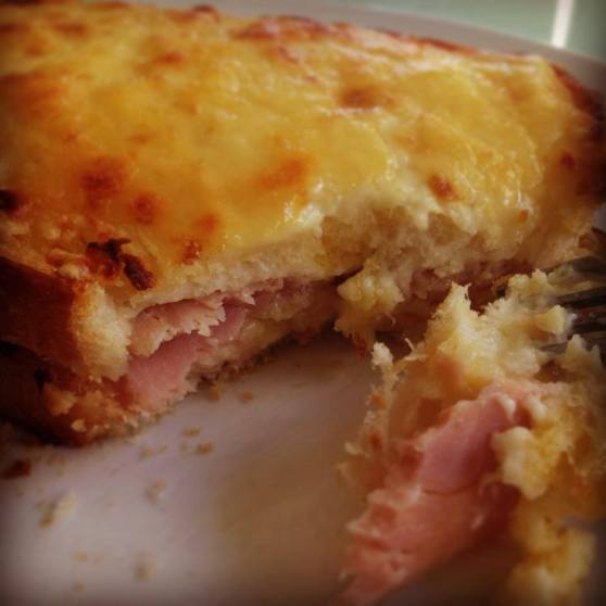 Just incredible - French dryly bread, French butter, cheese and the most amazing ham - did I mention how much I love béchamel sauce with nutmeg - too die for!